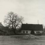 1938?: Odstranění pomníku TGM
