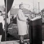 1960: Stavba památníku