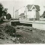 1930-39: Lékárna + škola