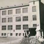 1947: Škola