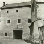 1950-59: Zámek brána